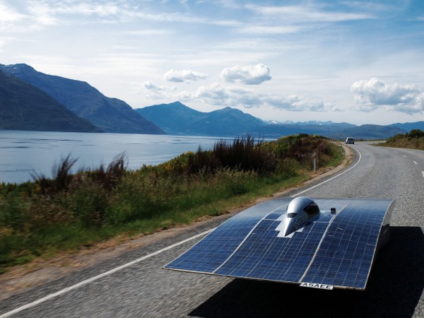 SolarFern was running well on level grade past Lake Dunstan on the first day of the journey, but Lindis Pass would provide the first serious test of the motor controller repairs.