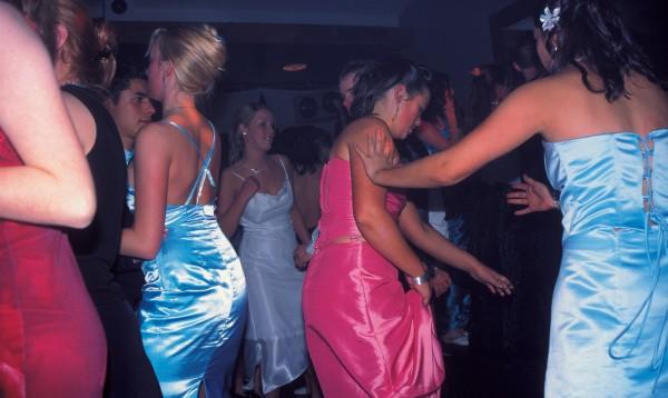 75_Dancing_17