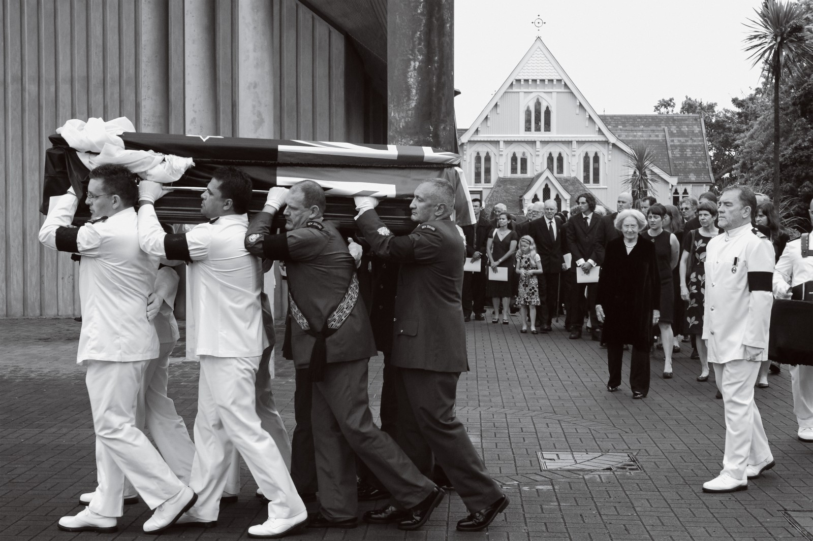 The casket was then carried by representatives of the New Zealand military to the smaller neighbouring St Mary's church, where the service was broadcast on television, radio and on large public screens throughout the country. Hundreds of thousands of New Zealanders stopped to watch the service live, as did people in Antarctica and Nepal.