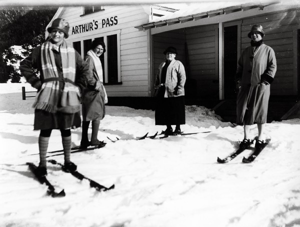 Skiing reached the pass in 1927, and for a few years- as here-skiers simply strapped on their skis at the village and set forth. Later, as the sport grew in popularity, a facility was set up at Temple Basin, on steepish slopes 500 m above the village.